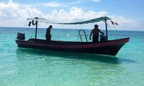 Snorkeling Tour Boat In Playa del Carmen