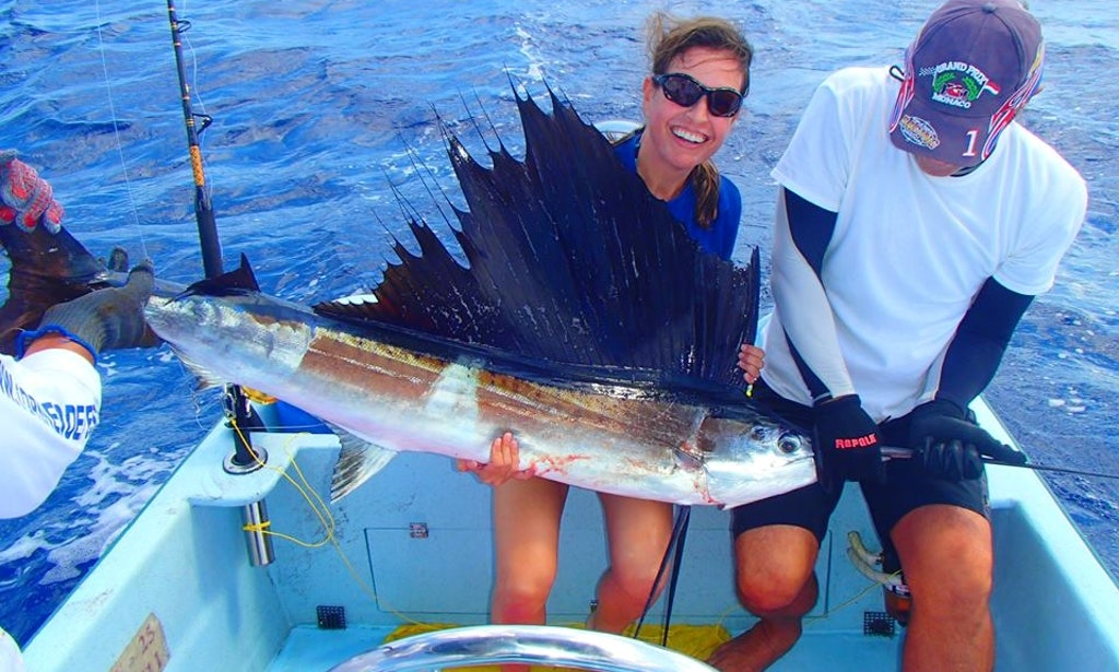 33 foot center console charter in san jose del cabo for San jose fishing spots