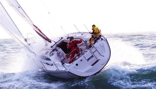 Charter Delphia 37.3 Jv Sailboat In Makkum