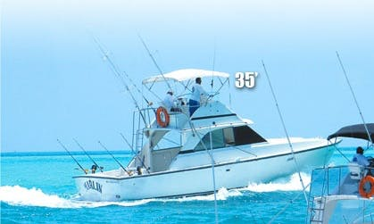 "35' ""Marlina"" Fishing Charter in Cancún, Mexico"