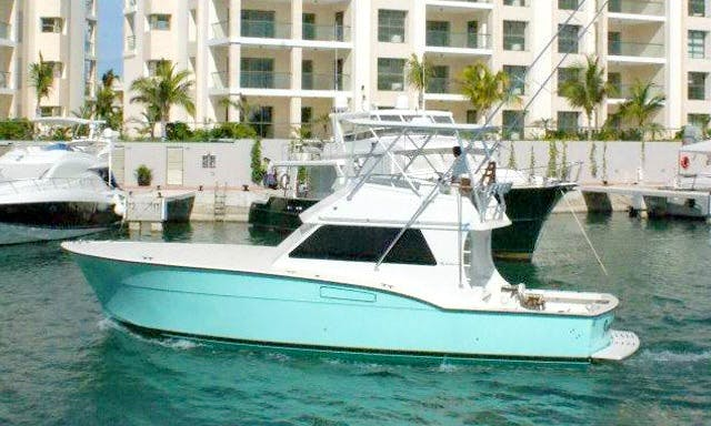 42ft Sportfisherman Hatteras Motor Yacht Charter In Cancún and Isla Mujeres, Mexico