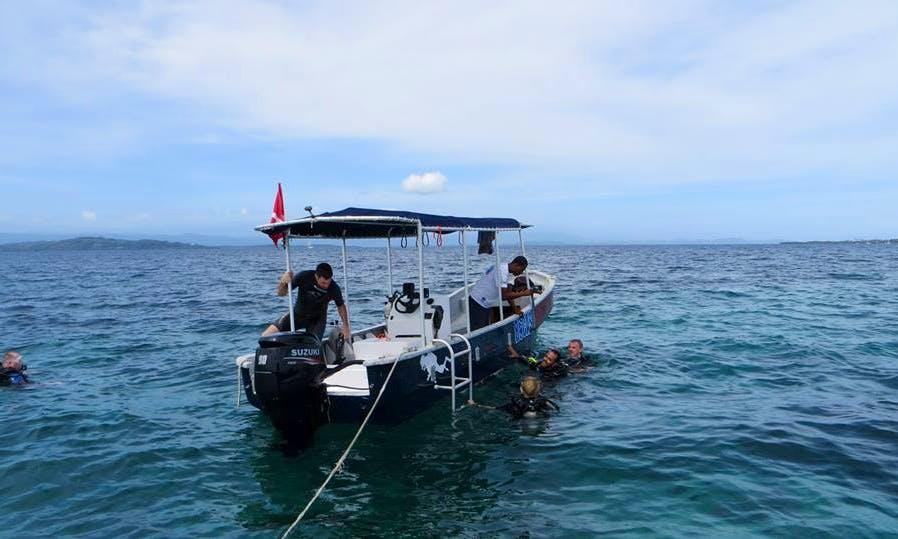 "24ft ""Chica"" Dive Boat In Avenida Sur, Panama"