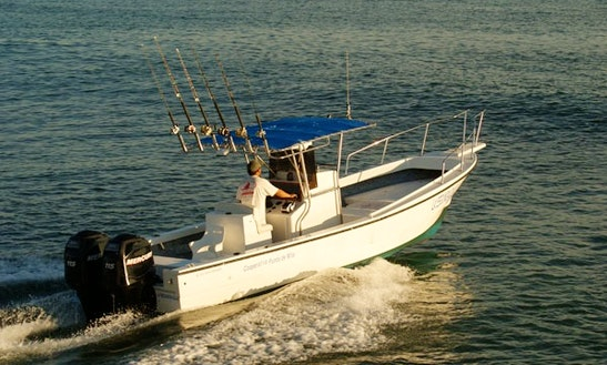 28' Center Console Fishing Boat In Punta Mita