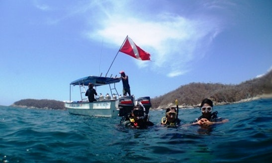 Boat Dive Tours In Huatulco