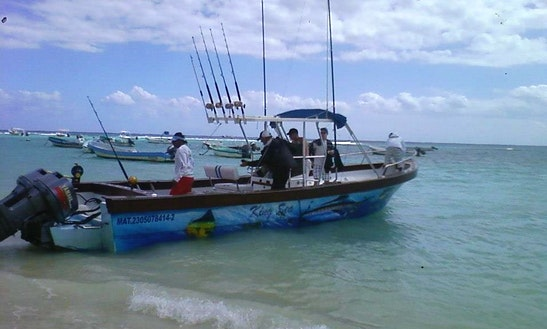 26' Fishing Yacht Rental In Playa Del Carmen, Mexico