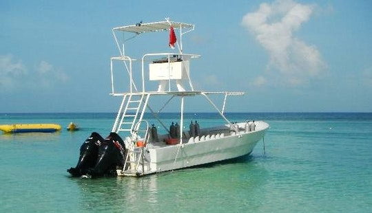 28' Dive Boat In Roatan