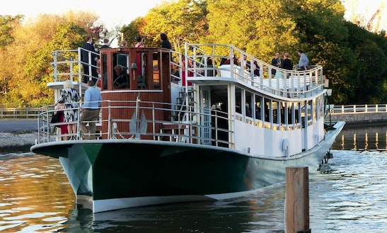 2-hour Erie Canal Cruises In Lockport, New York