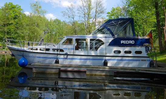 Pedro Skiron 35 For Rent In Brandenburg  (friederike)