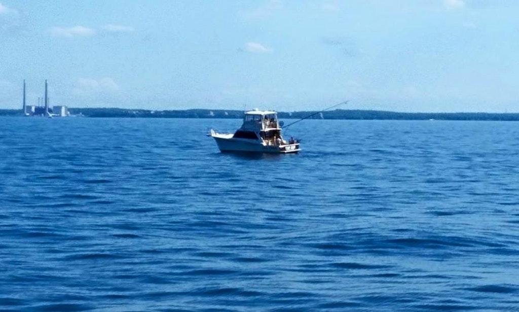 40 39 sport fisherman top gun fishing charter in oswego for Fishing trips nyc