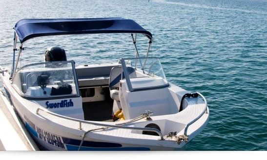 Enjoy 18 Ft Bowrider For Rent In Metung, Victoria