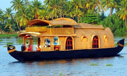 Airconditioned Houseboat for 4 Person with 2 Bedrooms available to Rent in Aryad South