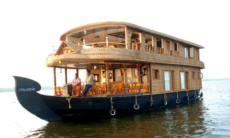 Exciting Vacation in Kerala, India on a 5 Bedroom Houseboat