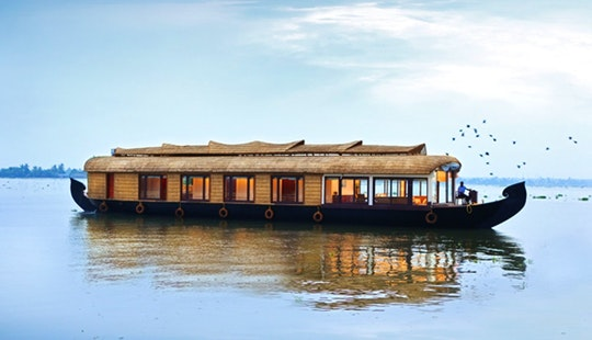 Clove Houseboat For Rent In Aryad South