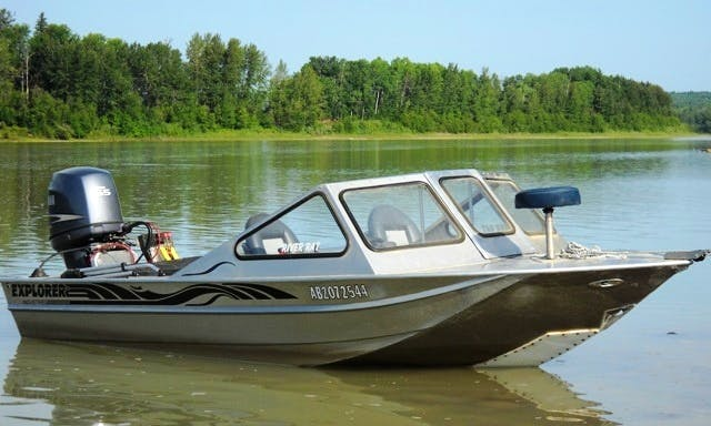 Bass Boat Fishing Charter in Sturgeon County, Canada