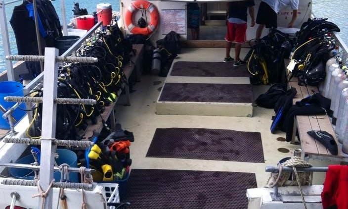 43' Dive Boat In Honolulu