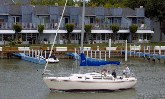 Catalina 30' Cruising Monohull Charter In Erie, Ohio