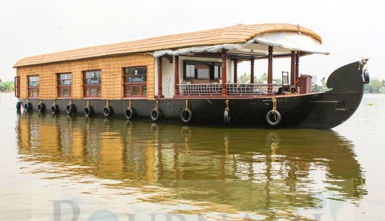 Six Bedroom Houseboat For Rent In Aryad South