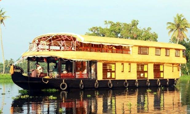 Majestic Houseboat Cruise for 10 People on Kerala's Backawaters
