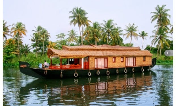 Luxurious Houseboat Cruise for 6 Person in Alappuzha,  Kerala
