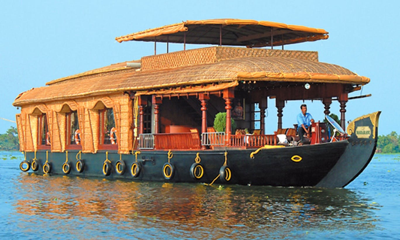Premium Houseboats for 6 Person for Rent in Kerala, India