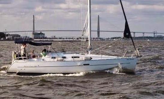 Sailing Charter On 32' Beneteau Cruising Monohull In Charleston, South Carolina