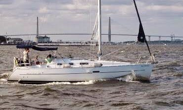 Sailing Charter On 32' Beneteau Cruising Monohull In Charleston, South Carolina