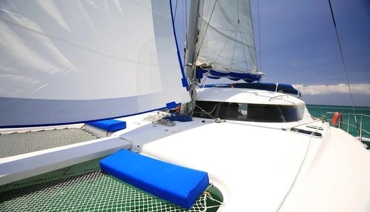42ft Cruising Catamaran Mahal... The Only Luxury Sailing At Boracay