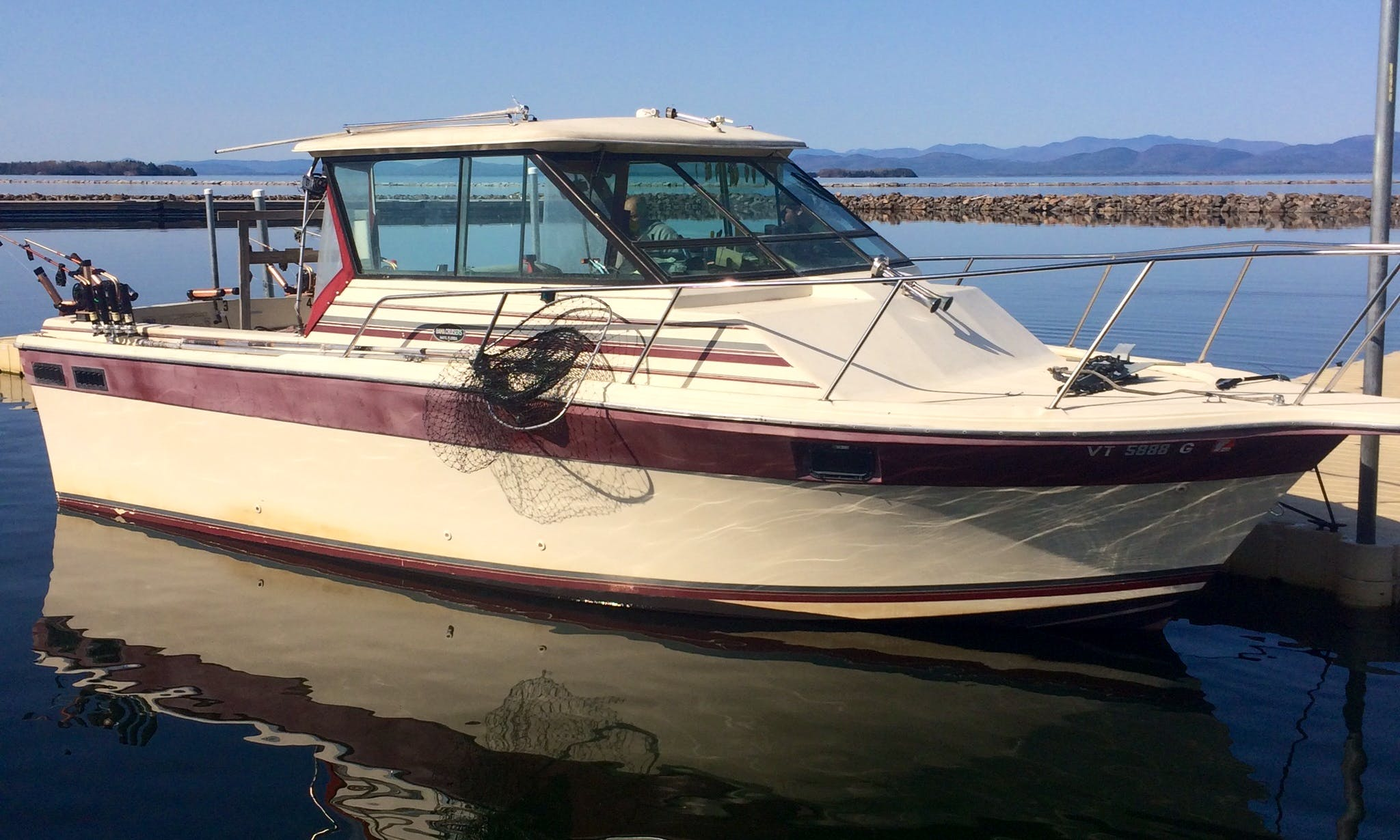 29' Head Boat Fishing Charter in Shelburne, Vermont
