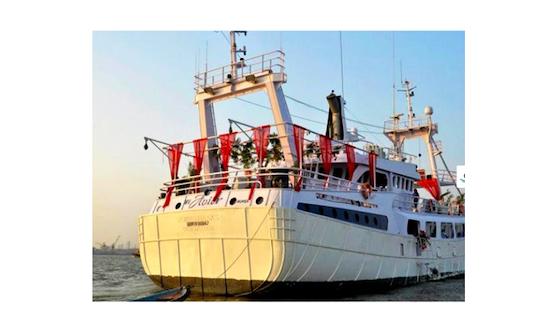 Charter A 80' Avior Passenger Boat In Mumbai, India