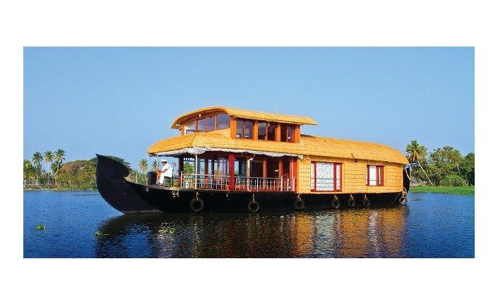 One Room Houseboat Charter in Alappuzha
