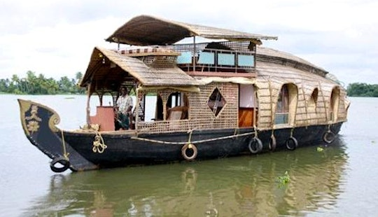 Luxury 2 Bedroom Houseboat For 4 Person In Alappuzha, Kerala