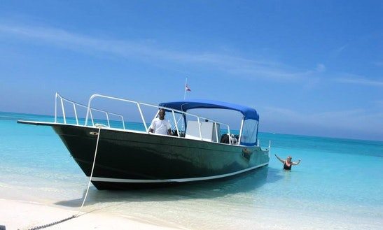 43' Center Console Charter In Caicos Islands, Turks And Caicos Islands