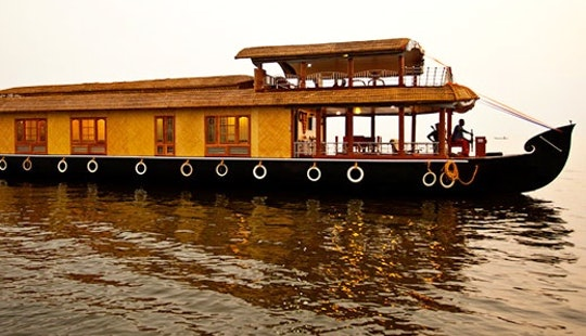 Exiting Houseboat Charter In Alappuzha, India