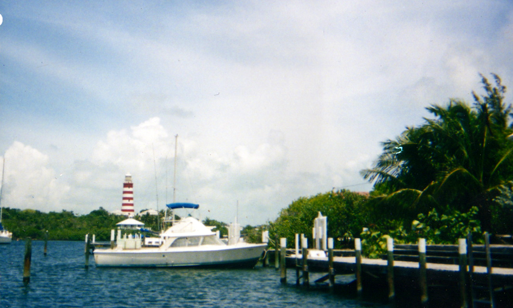 Fishing charter on 31ft bertram sport fisherman yacht with for Nassau fishing charters
