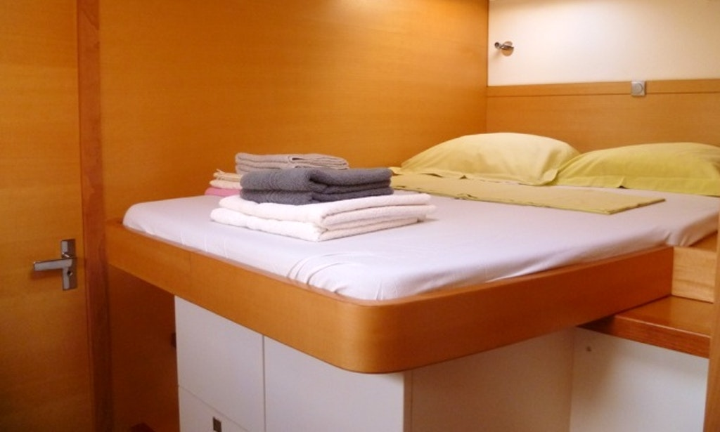 Nautitech 482 sailing catamaran charter in le marin for Marin condos for rent