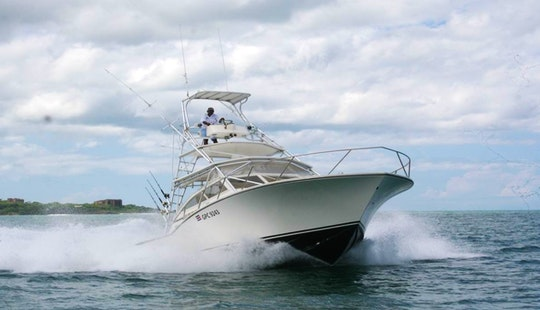 35' Sport Fishing Charter In Tamarindo