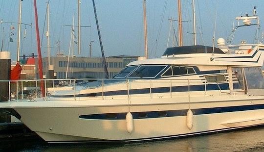 Motor Yacht Rental In Mogán