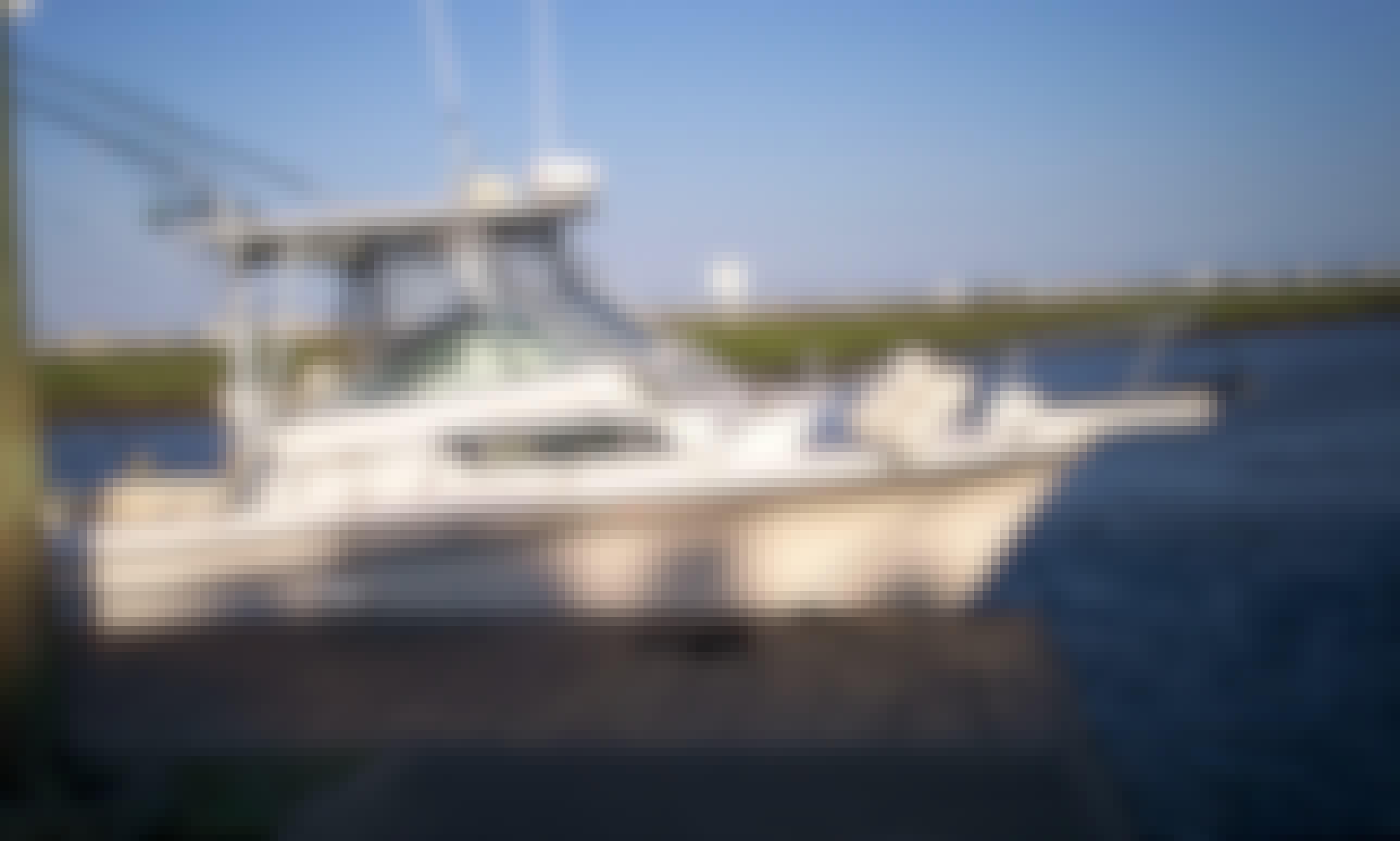 "28ft ""Grady White"" Cuddy Cabin Boat Fishing Charter in Myrtle Beach, South Carolina"