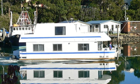 Fun Houseboat Holiday On