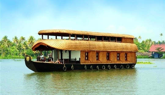 Relaxing Houseboat Holidays Rental In Alleppey, India