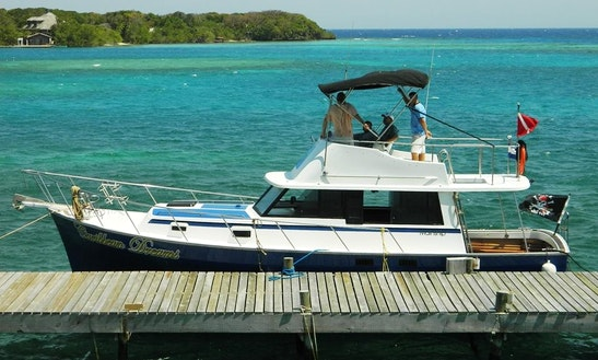 Motor Yacht Charter In Coxen Hole, Honduras