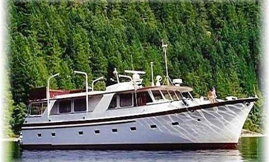 65' Motor Yacht Charter In Lopez Island