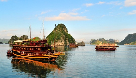 Halong Bay Tour In Vietnam