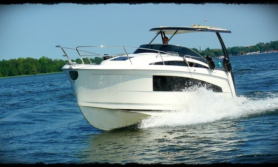 27' Motor Yacht Rental In Wilkasy