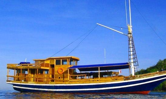 Gulet Rental In Senggigi Indonesia