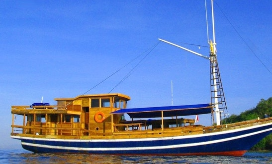 Daysailer Rental In Senggigi Indonesia