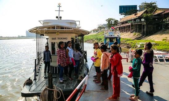 Motor Yacht Rental In Tambon Phan Phrao