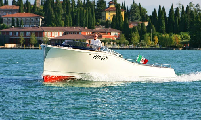 Charter the 30ft 'Beluga' Power Boat in Sirmione, Italy