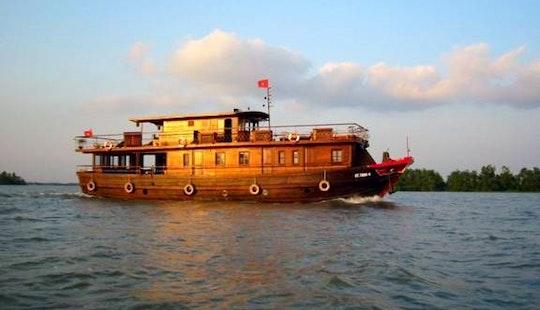 Discovery Cruises In Hanoi