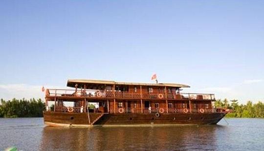 Scenic Junk Boat Cruise In Hanoi